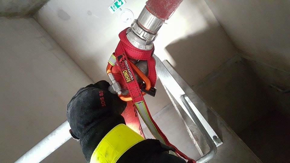 amarrage tuyau pompier